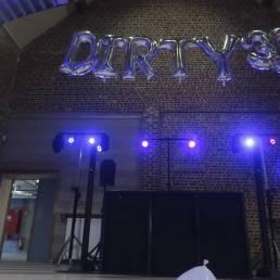 blacklight op verjaardagfeest met dj